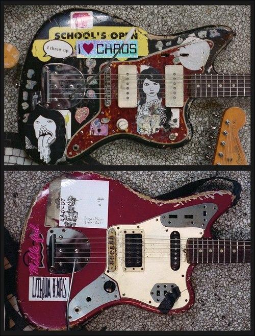 Øverst: Thurston Moore's '61 Fender Jazzmaster. Nederst: Kim Gordon's '66 Fender Jaguar.
